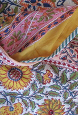 Bedspread super soft and reversible nice and big