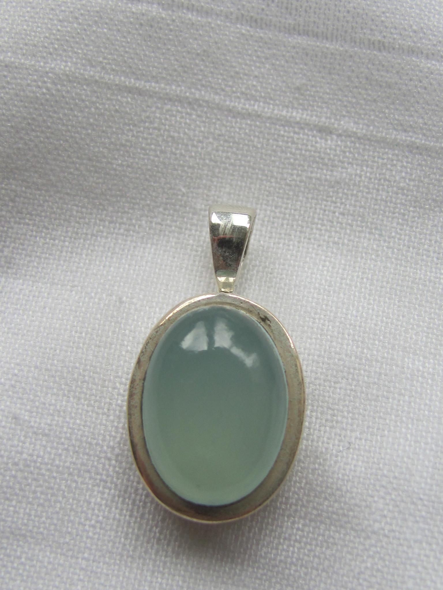 Pendant Silver with calceadone