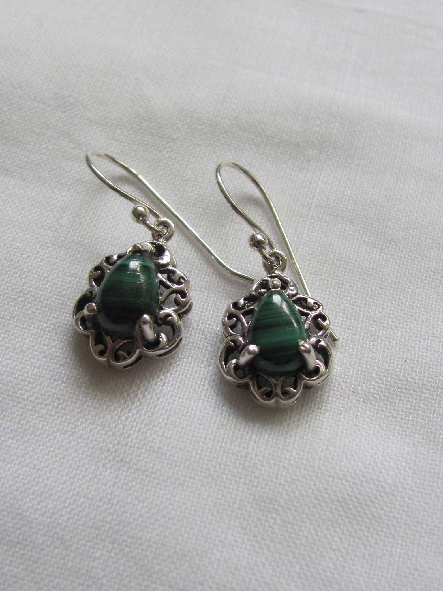 Earring silver  with  malachite stone