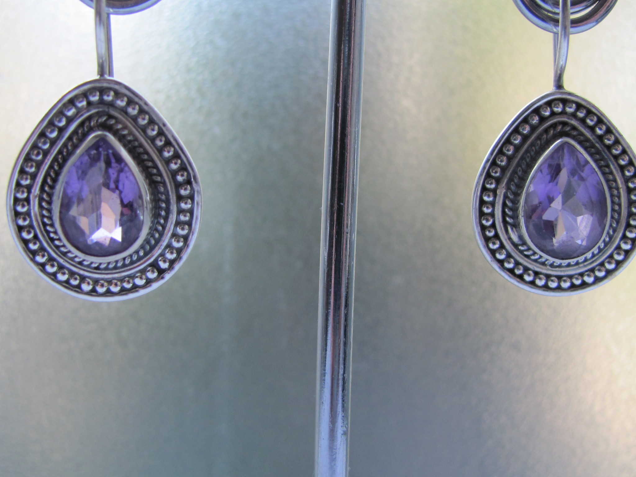 Earring silver  with  amethyst dormeuse style