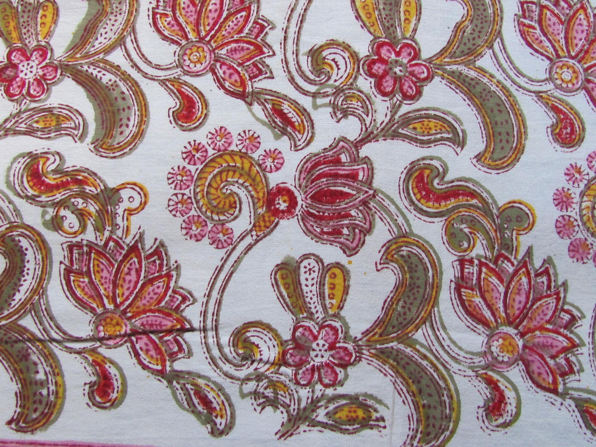 Bedsprei, grand foulard,   kleurrijke bohemian slaapkamer