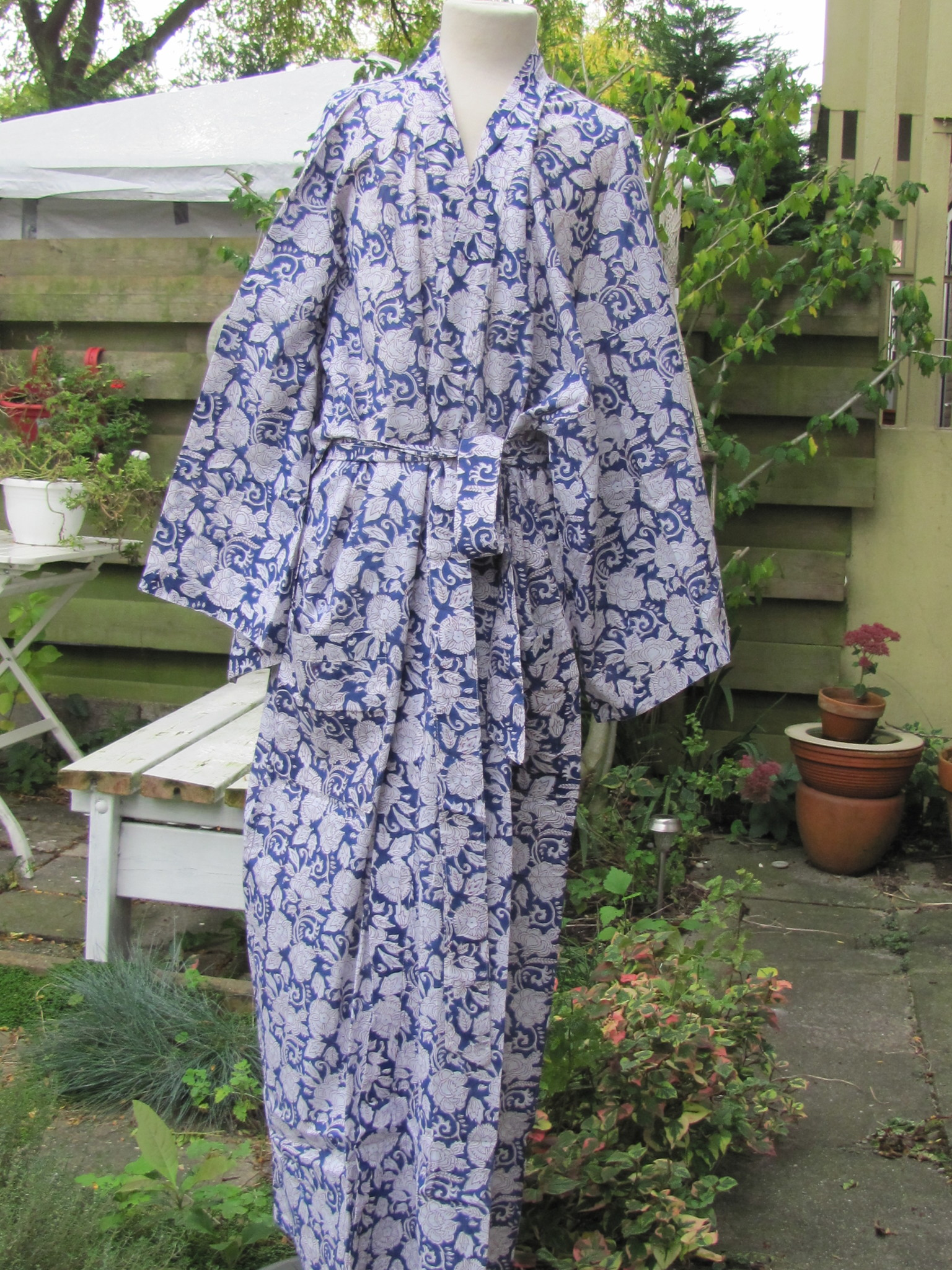 Kimono, dressing gown, home clothes  hand printed with vegetable dyes. 100% cotton