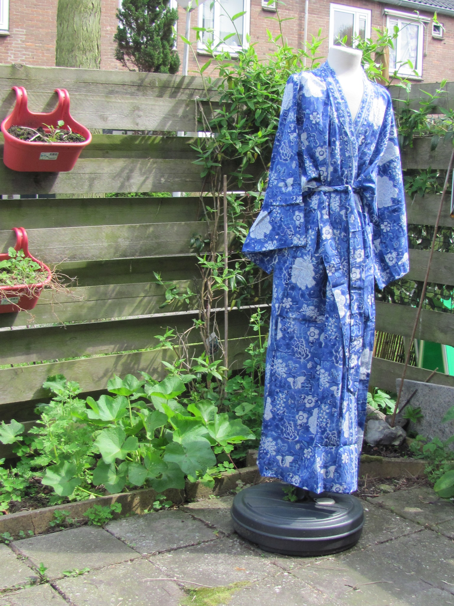Kimono, dressing gown hand printed with vegetable dyes