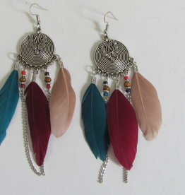 Ethnic earrings with feathers