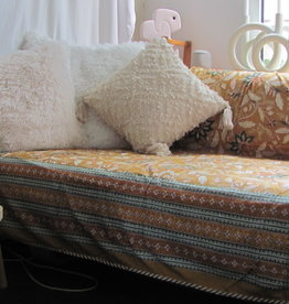 XL Bedspreadsoft and reversible