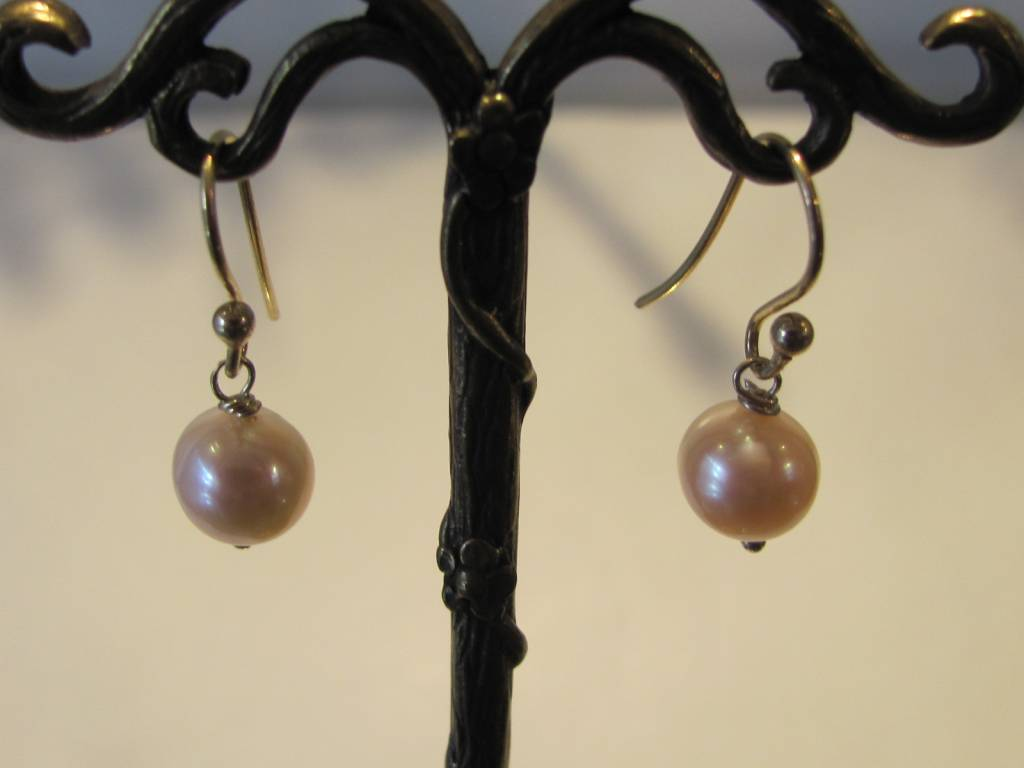 Earring gold on silver and pearl