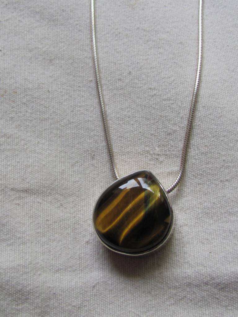 Necklace silver tiger eye