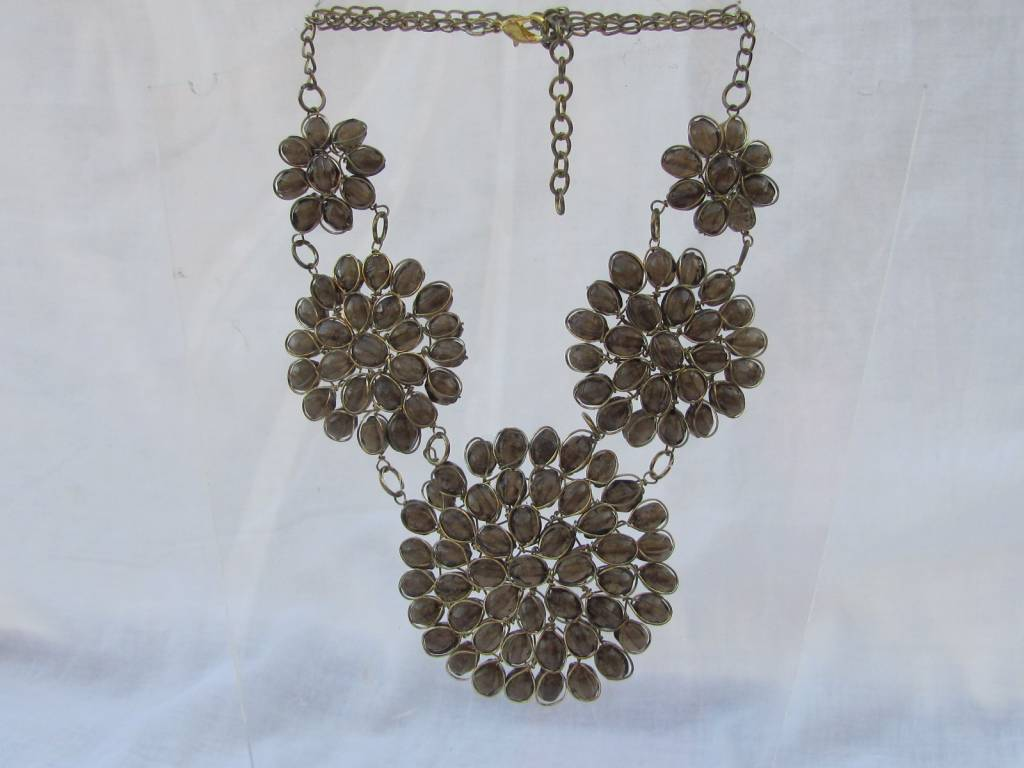 Necklace from glass and braas smokey quarts colour