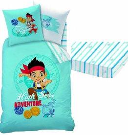 Disney Jake  en de Nooitgedachtland piraten Disney Jake en de Nooitgedachtland piraten dekbedovertrek-set + kussensloop 63x63cm en hoeslaken