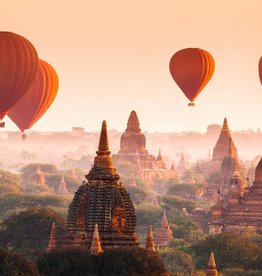 Fotobehang - Balloons over Bagan - 366 x 254 cm - Multi
