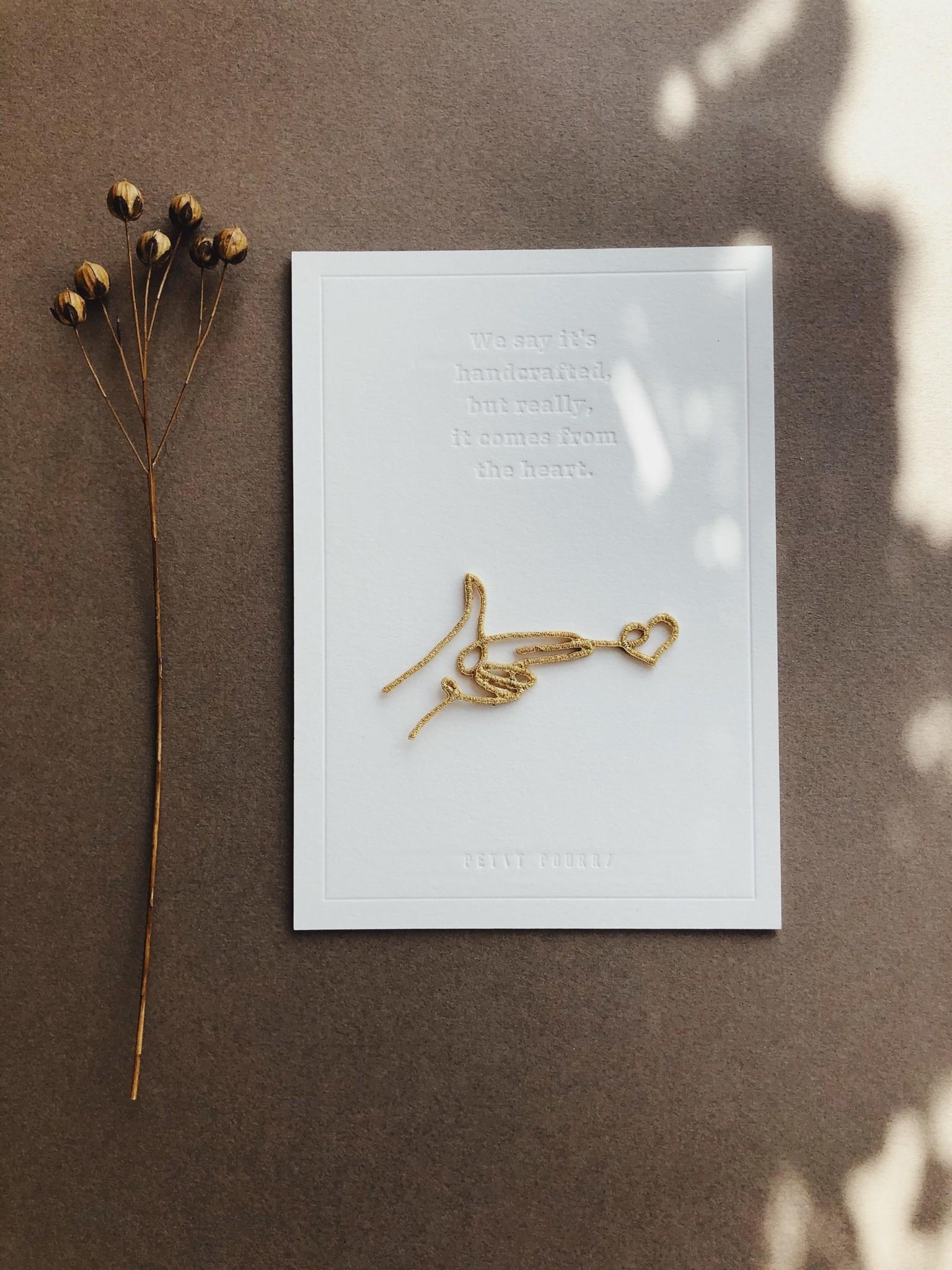 Petit Pourri Letterpress card Shooting love