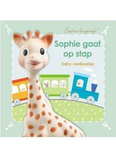 Sophie de Giraf voelboekje Sophie gaat op stap