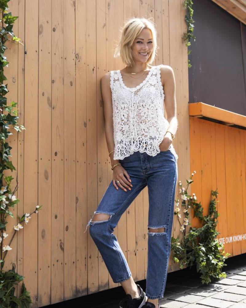 Crochet White