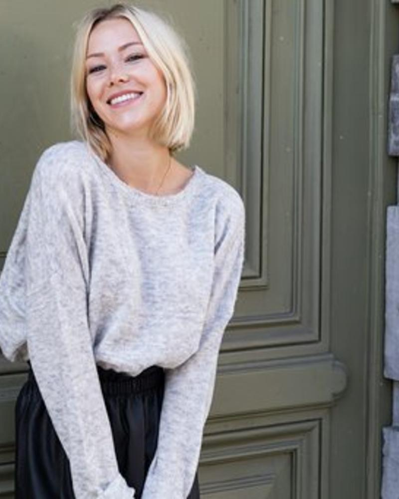 Musthave Sweater Grey