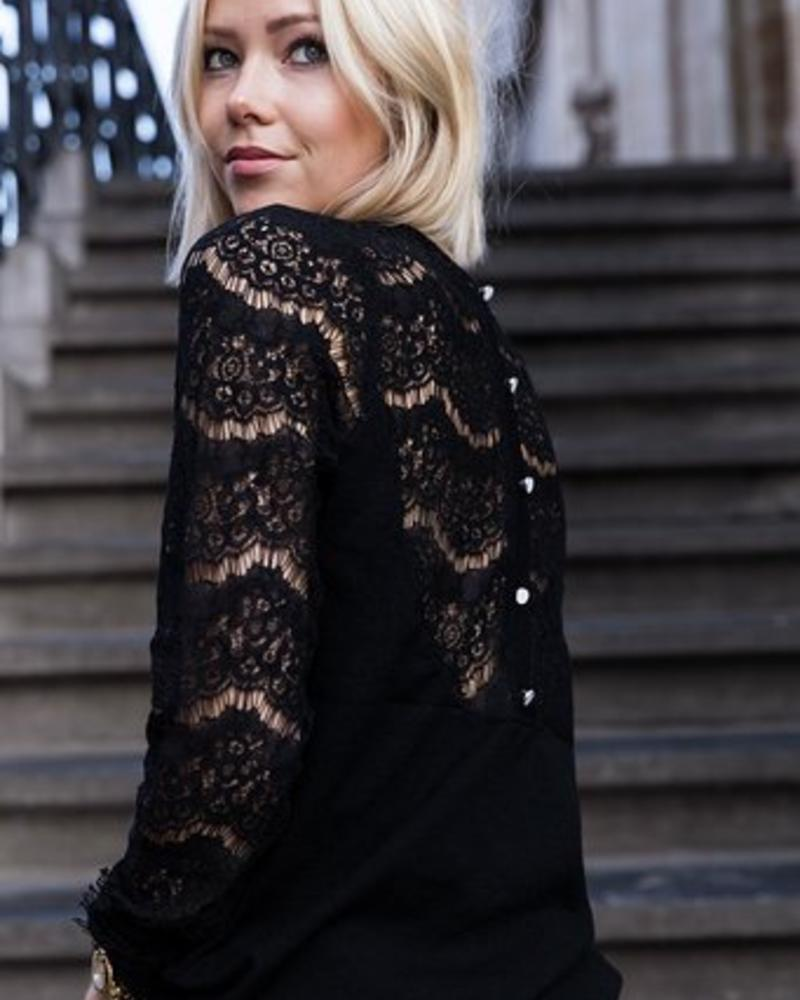 Sweater Lace sleeves