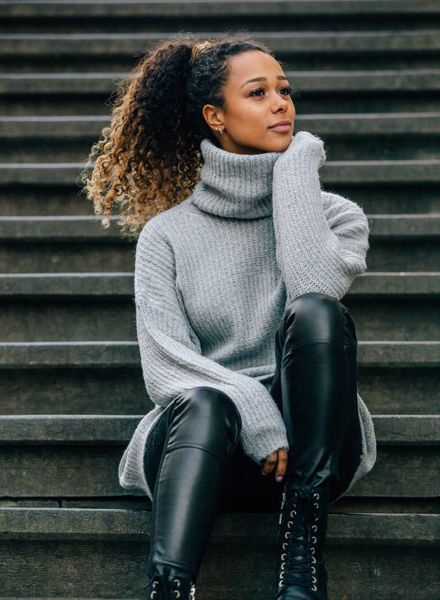 Long Collar Sweater Grey