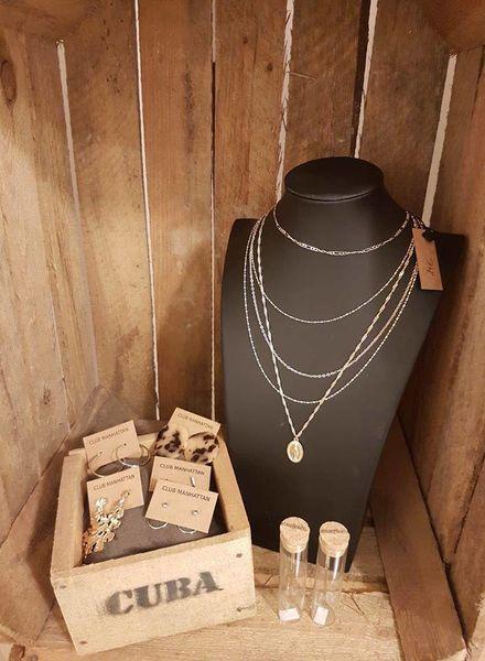 Layered Amulet Necklace Goud