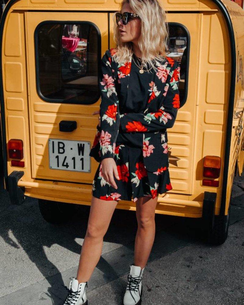 Kendall Big Flower Short