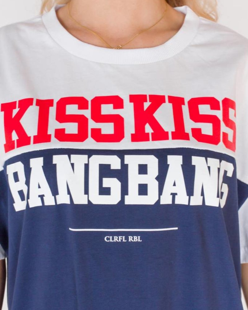 Kiss Kiss Tee