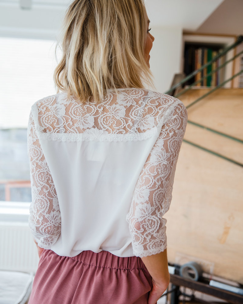 Lace Long Sleeves White