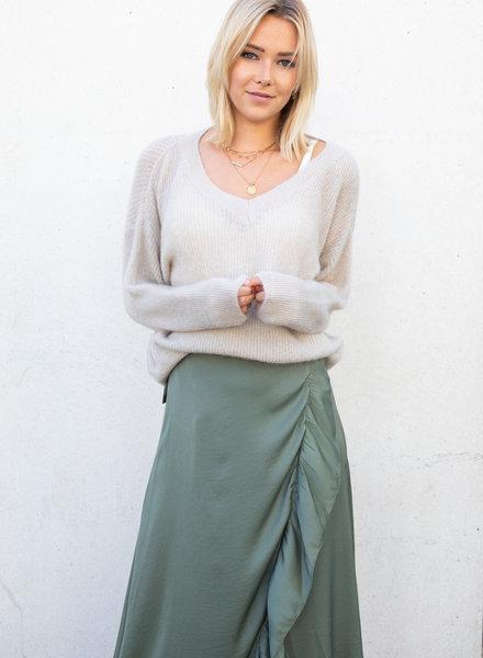 Beige V-Sweater
