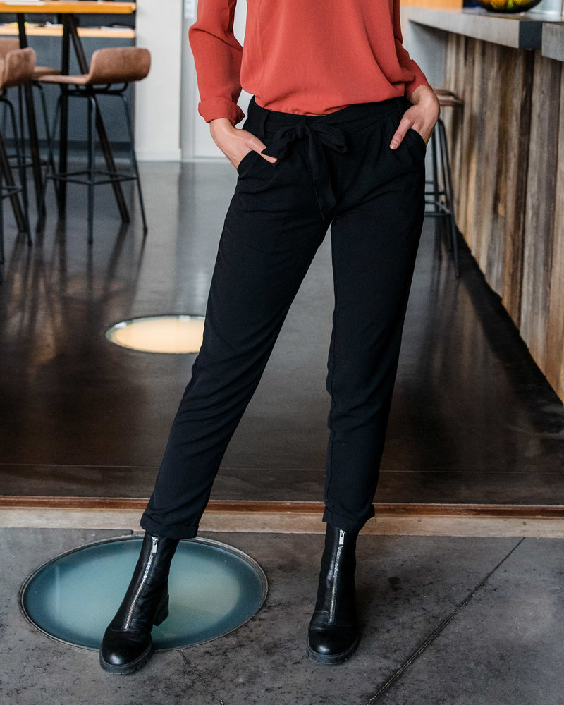 Classy Bow Pants Black