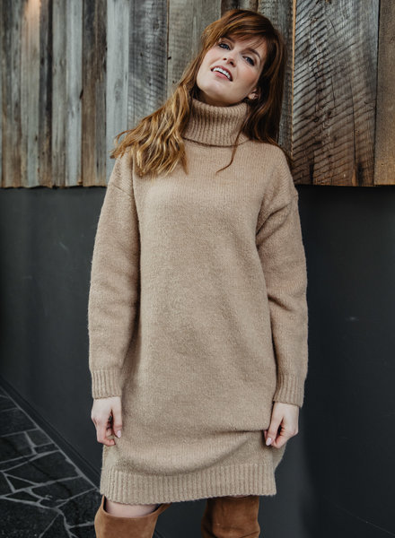 Sweaterdress Camel