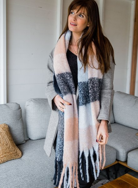 Soft Scarf Checkered Pink