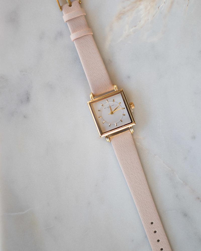 Beige horloge vierkant