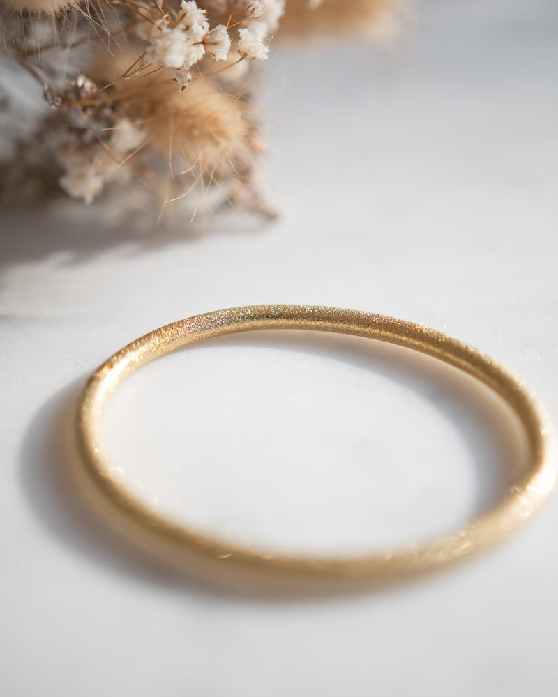 Bangle mat glittertjes Goud