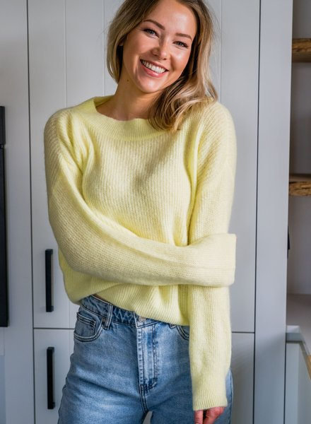 Crop Sweater Yellow