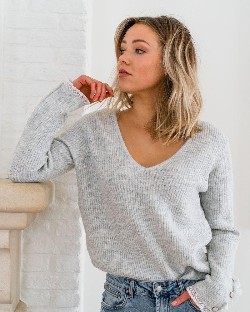 Elena V-Sweater Grey