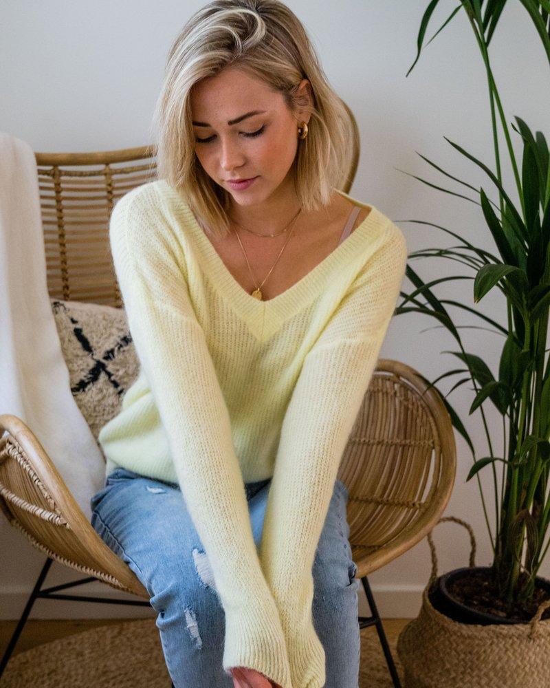 V-Neck Sweater Pastel Yellow