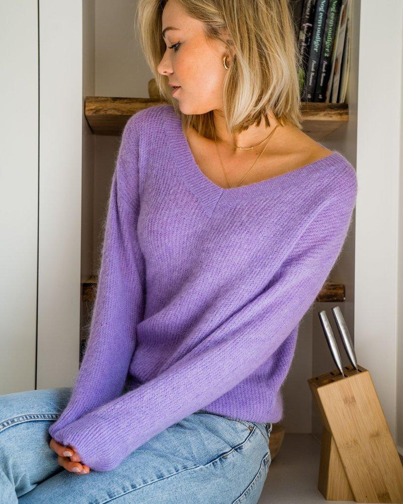 V-Neck Sweater Lila