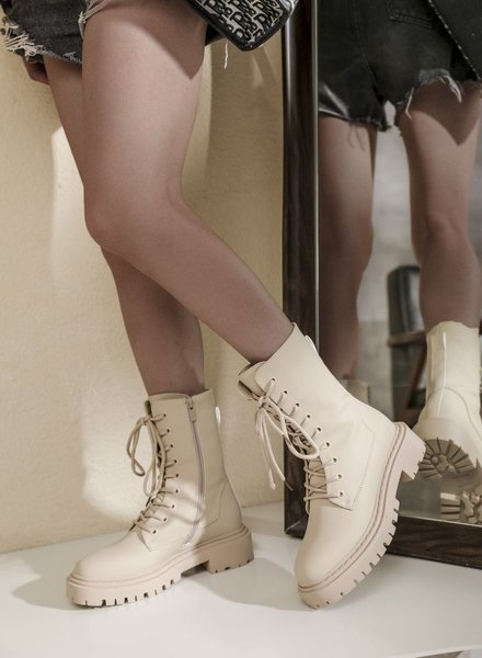 Belle Boots Beige