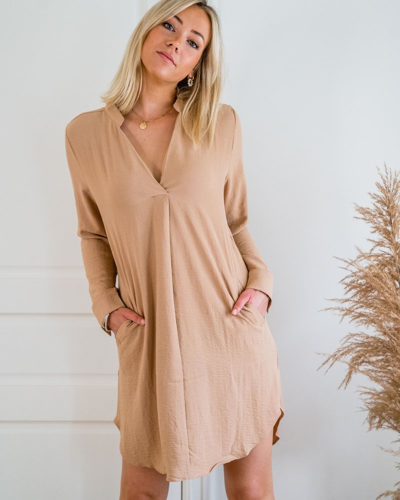 Lesley Dress Taupe