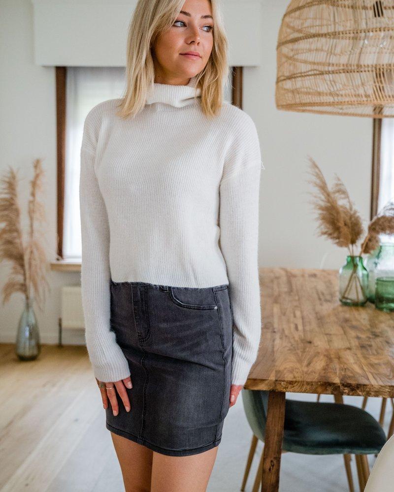 Collar Crop Sweater White