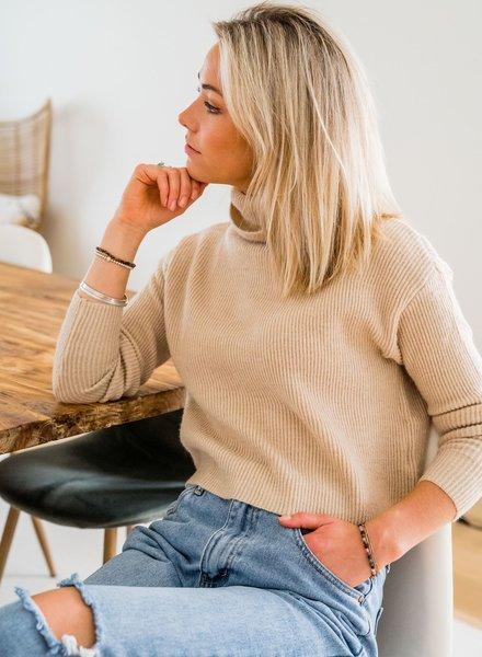 Collar Crop Sweater Beige