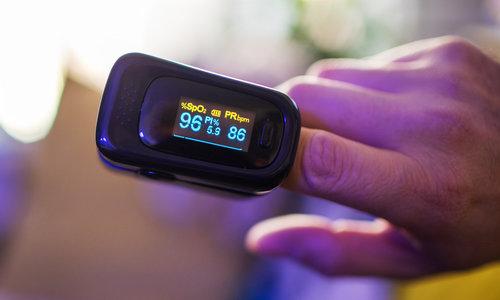 Pulsoximeter in COVID-19: Waarom en Hoe