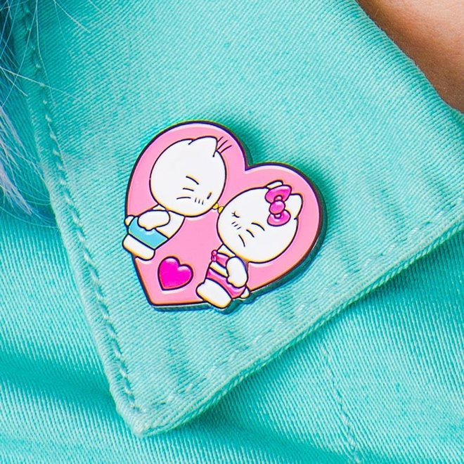 Punky Pins emaille Pin - Hello Kitty Kissing Dear Daniel