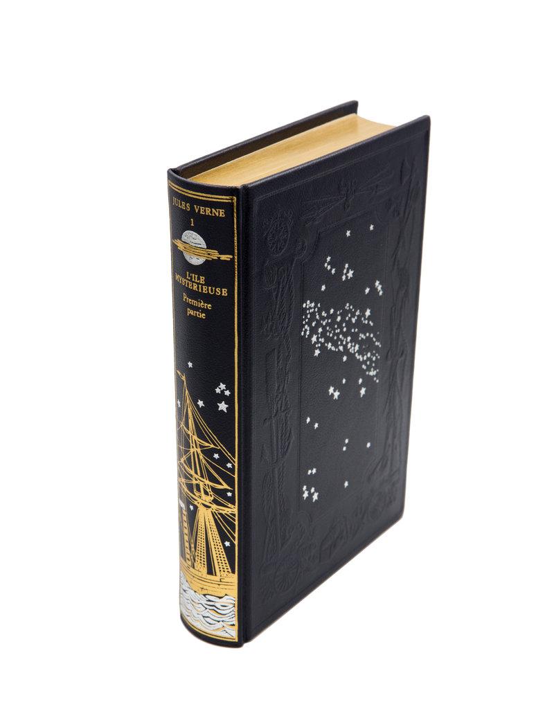 Les dix premiers volumes des Voyages extraordinaires de Jules Verne