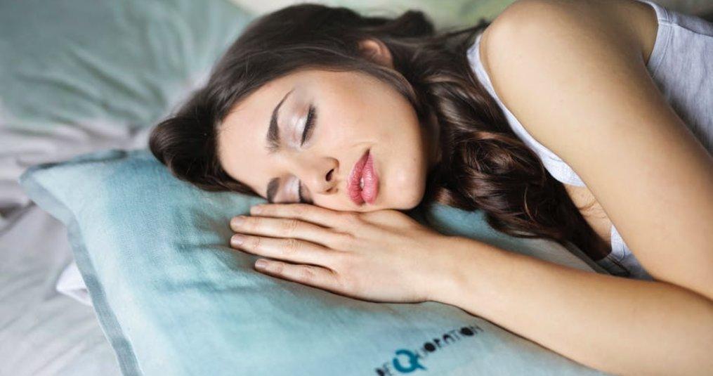 Hoe blijf je lekker slapen in het warme weer?