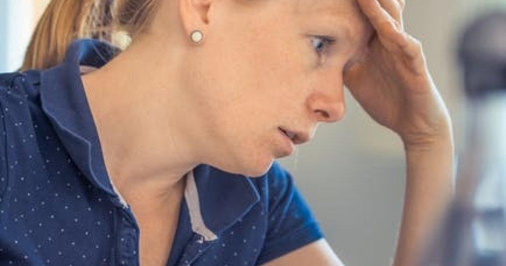 Wat zijn de redenen om hoofdpijn in de ochtend te krijgen?
