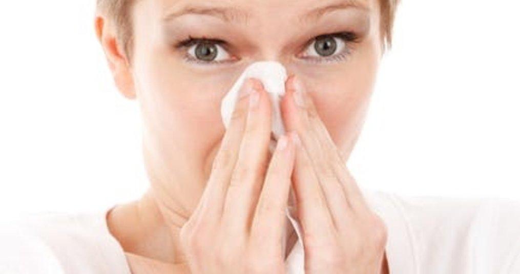 Tips om door je verkoudheid nog steeds goed te kunnen slapen.