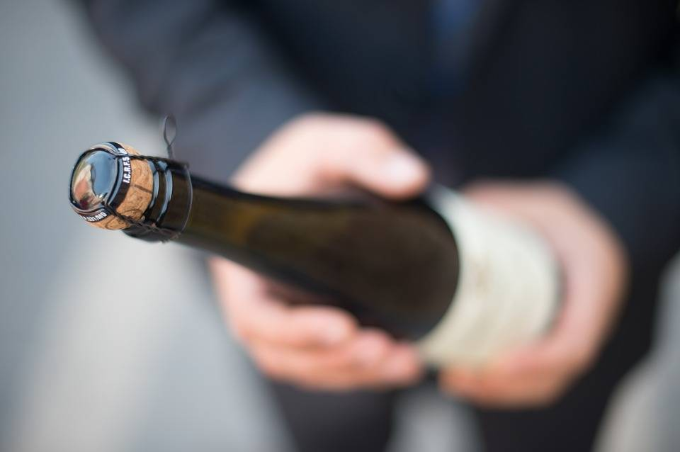 Wat is het verschil tussen champagne en mousserende wijnen?