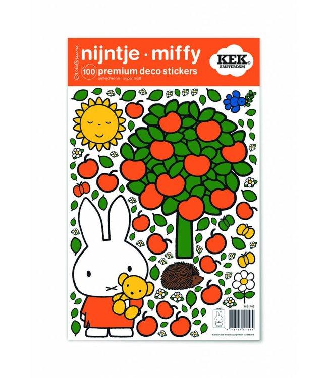 Nijntje / Miffy Miffy Wandtattoos Miffy apple tree, 21 x 33 cm