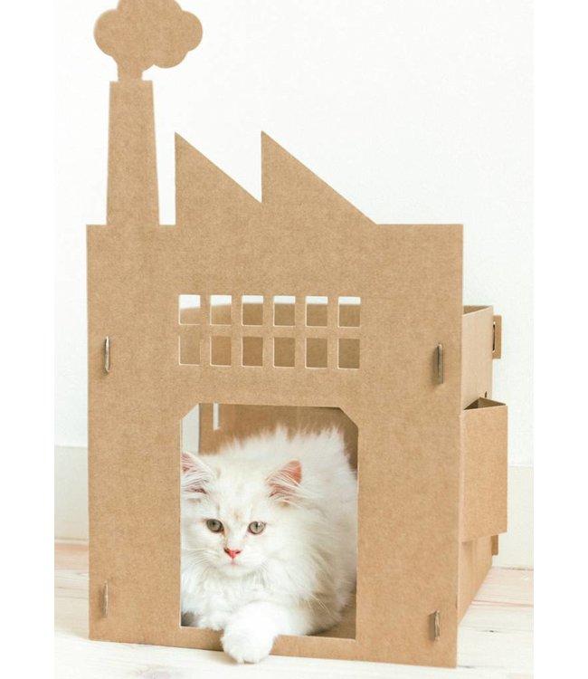 Katzenhauschen von pappe, Old Factory, 35 x 28 x 48 cm