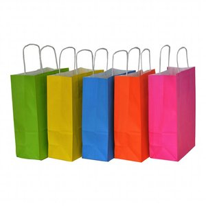 Levering uit voorraad 50x Papieren tassen assorti vrolijke kleuren 18x08x24cm