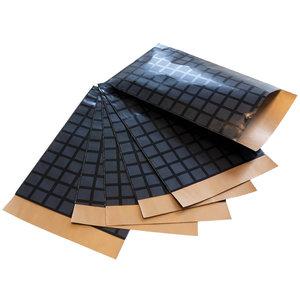 200x papieren zakjes Zwarte blokjes 7x13cm