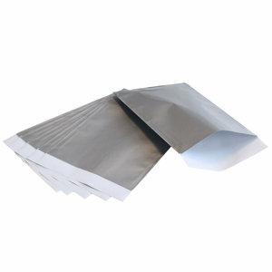200x papieren zakjes Zilver 12x19cm
